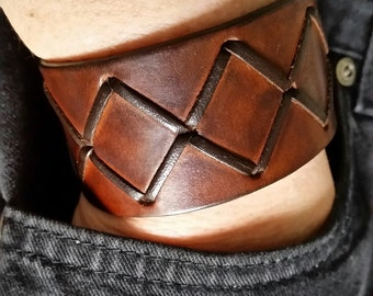 BROWN LEATHER CUFF Bracelet with Cross Lacing. Wide Leather Bracelet. Mens Leather Cuff. Unisex Leather Wristband. Light Tan Leather Cuff