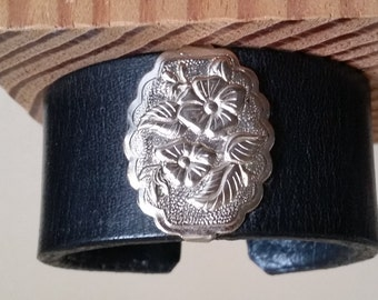 """SMALL LEATHER BRACELET with Wild Rose Concho. Womens Black Leather Cuff with Silver Floral Concho. For 6-1/4"""" Wrist. Cowgirl Leather Cuff."""