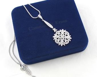 Camrose Kross Winter Necklace   Crystal Pendant   Jackie Kennedy   JBK   Kennedy Jewelry   Original Box