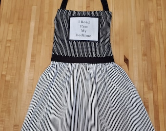 I Read Past My Bedtime Apron, Reader Quote Apron, Book Nerd Apron, Book Quote Apron, Bookish Apron, Ready to Ship, Book Nook, MarjorieMae