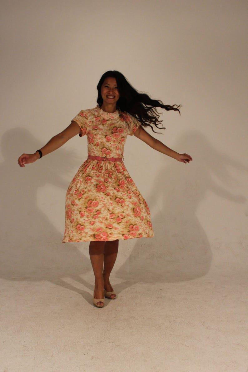 0fef920acae1 Petite Vintage Dress 50s Dress Floral Dress Short Sleeve Dress