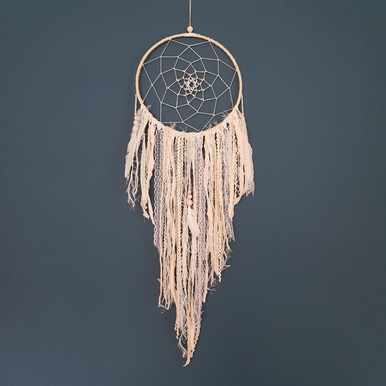Dreamcatcher Natural romance image 0