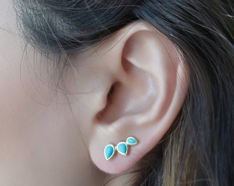Turquoise Ear Climber , Gold Ear Cuff , Blue Climbing Earrings , Ear Crawler , Turquoise Earrings , Climber Earring , Turquoise Ear Pin