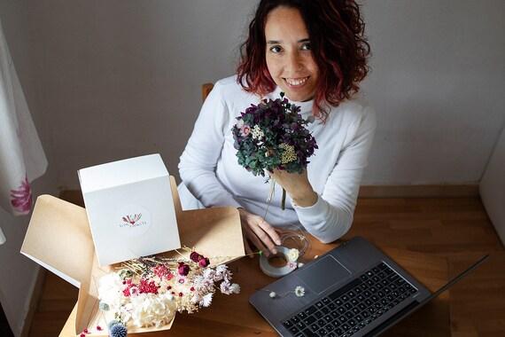 Floral atelier: design personnalisé en ligne atelier: Floral 2 heures via vidéoconférence + matériel. Livraison gratuite. e4e7d9