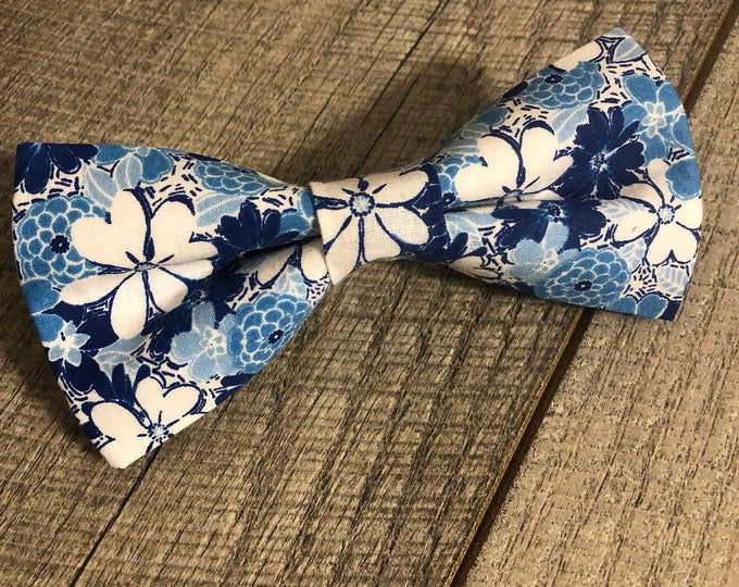 Blue Floral Bow-Tie | CupcakePups Collars | Large Dog Bow Tie