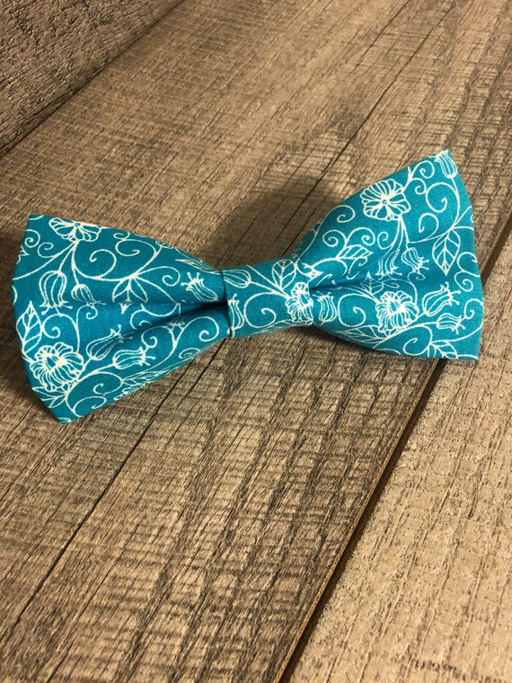 Turquoise Floral Bow-Tie | CupcakePups Collars | Large Dog Bow Tie