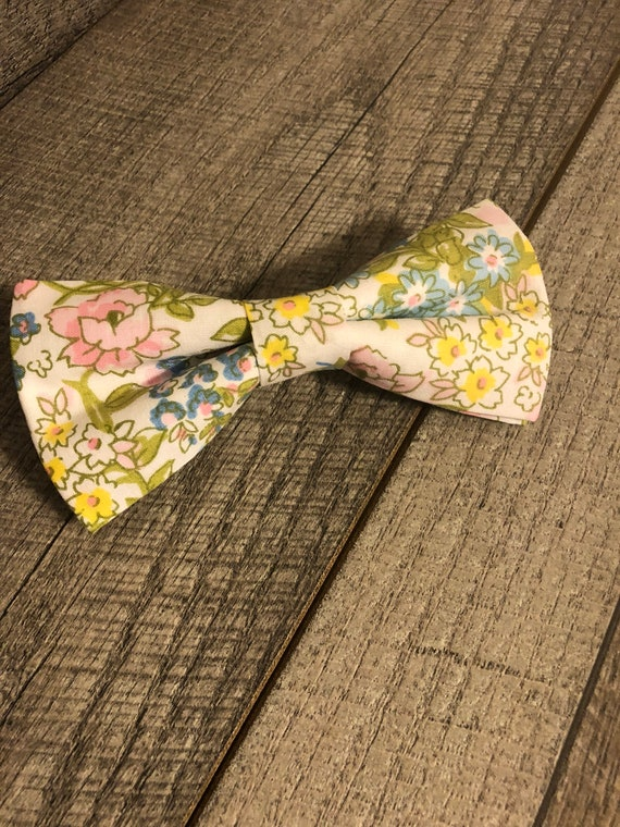 Pastel Floral| was Bow-Tie | CupcakePups Collars | Large Dog Bow Tie
