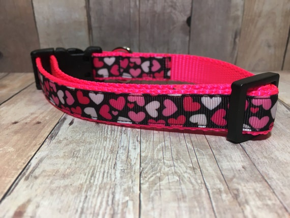 "Hot Pink Hearts | Designer 3/4"" Width Dog Collar 