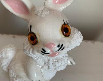 Kitsch Animal Carrot Yellow Metal Rabbit Earring Holder Vintage Retro Jewelry Hanger Googly Eyes Bunny Figurine Earring Tree