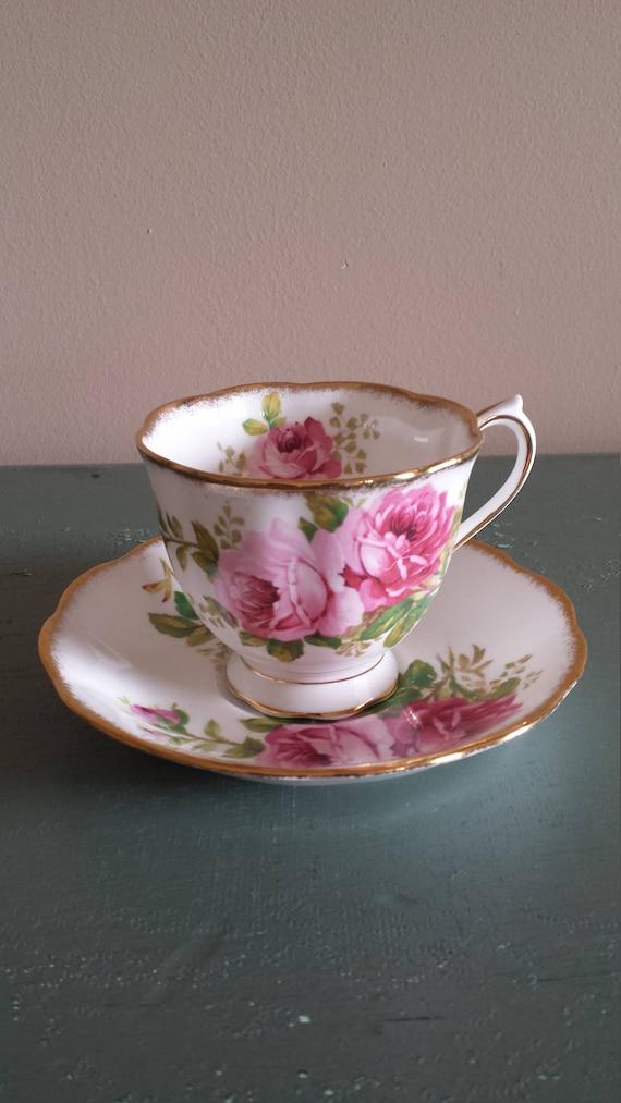 "ROYAL ALBERT Tea Cup /& Saucer /""American Beauty/"" Bone China England"