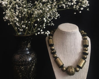 vintage metal beaded necklace