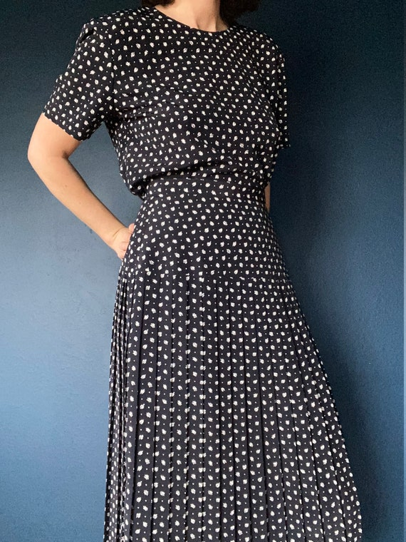 vintage two piece pleated skirt set size US 10