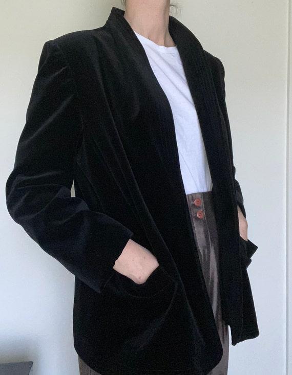 vintage velvet smoking jacket / sculptural velvet
