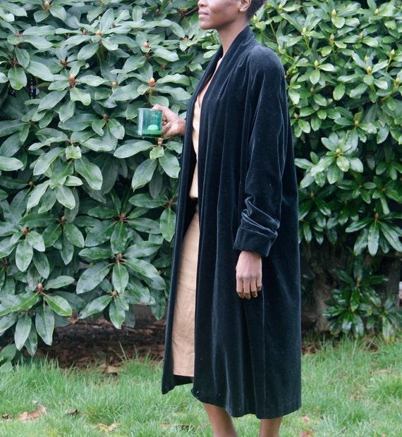vintage black velvet evening coat / vintage 1980s