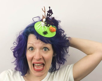 Haunted House with Skeleton and Spider Halloween Fascinator, Tablescape