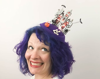 Haunted House (with lights!) and Bats Halloween Fascinator, Tablescape
