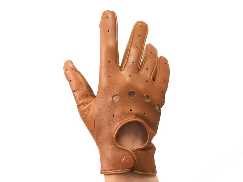 9a1b36c08424c Handmade tobacco lambskin leather driving gloves. Soft and breathable