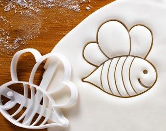 Cute Bee cookie cutter | Honeybee biscuit design | honeybees cookies cutters | bees pollen nectar insect gingerbread craft ooak | Bakerlogy