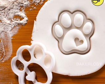 Cute Paw Prints cookie cutters | biscuit cutter heart realistic paws print dog lover gifts dogs snacks foot prints feet footprint pup puppy
