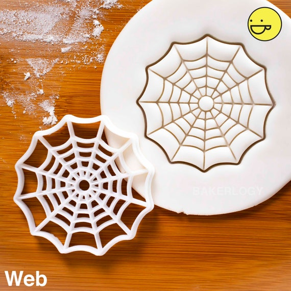 Jumping Spider cookie cutter Bakerlogy biscuit cutters Halloween party treats creepy crawlers cobwebs spooky eyes scary spiders bugs