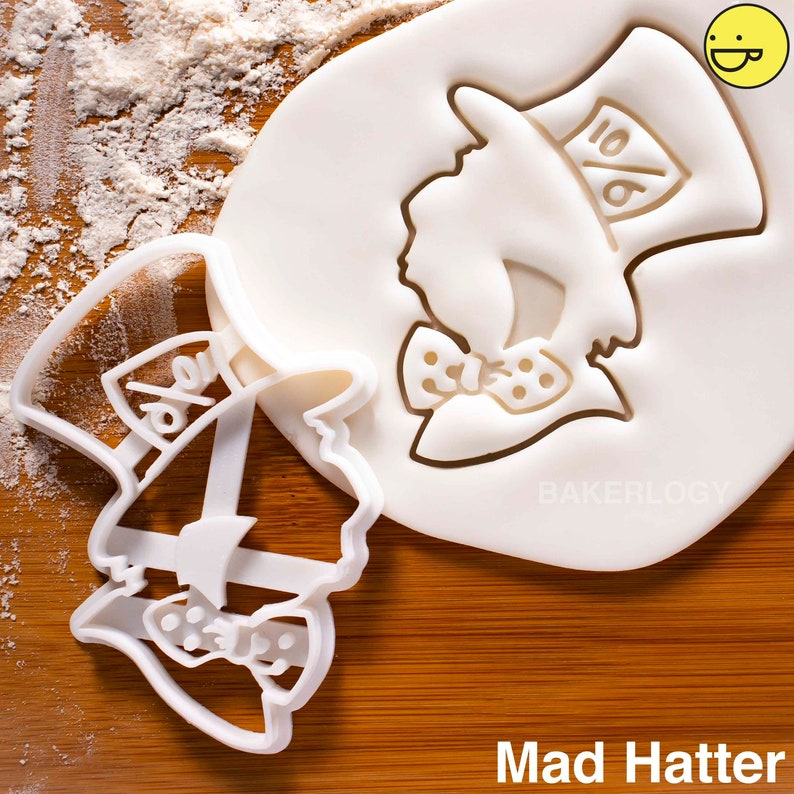 Alice cookie cutterAlice/'s Adventures in Wonderland tea party biscuit cutters