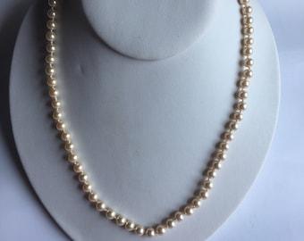 Pearl Necklace Beige Marvella Golden Clasp