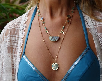 Golden and turquoise Honolulu long necklace, agate pendant and golden chain