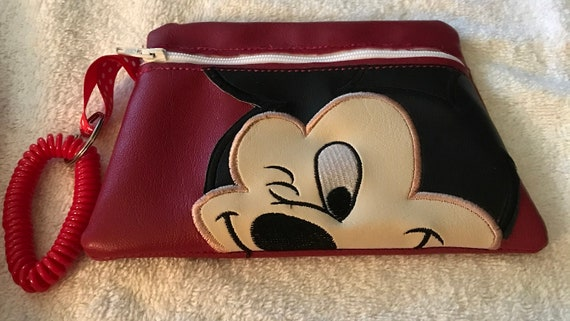 Disney Themed Dopey Small Zipper Pouch Snow White