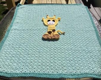 Giraffe baby blanket. Size 32X32