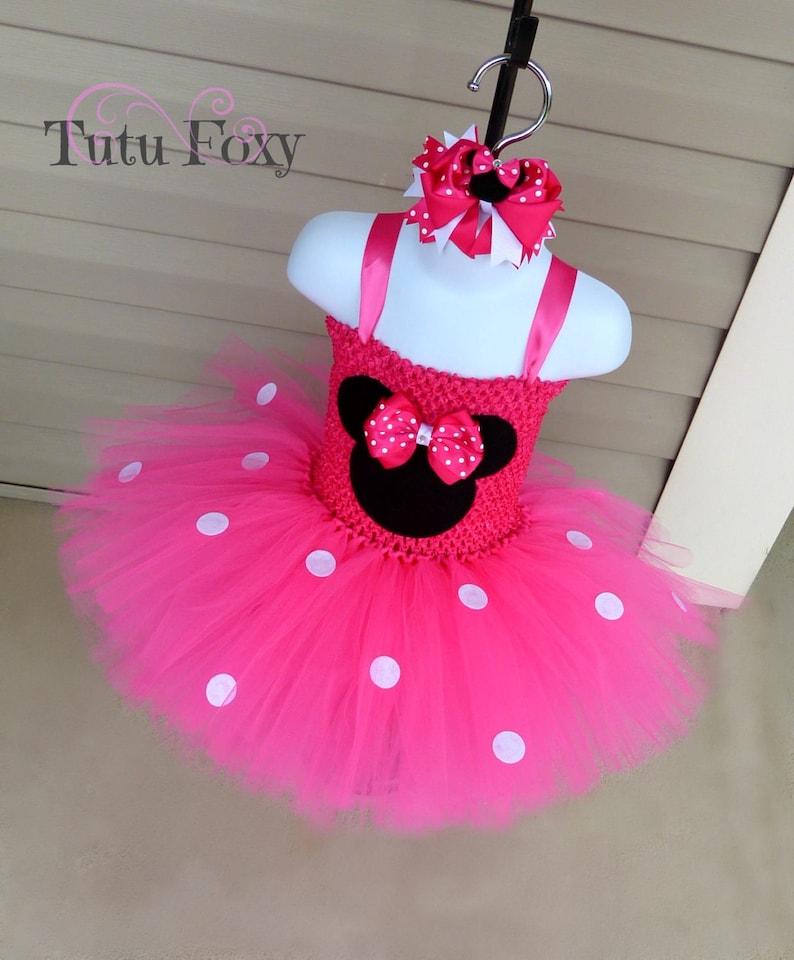 b89e579235e380 Robe Tutu de Minnie Mouse, Minnie Mouse Tutu, Costume de Minnie Mouse, rose  chaud Minnie, Minnie Mouse anniversaire tenue, robe de Minnie Mouse,