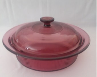 Visions By Corning 2 1/2 Quart Cranberry Round Covered Casserole