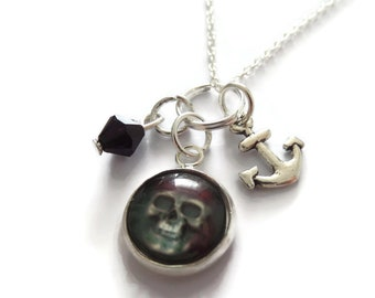 Pirates necklace, pirates gift, pirate skull necklace, fandom gift, fan gift, pirate jewelery, skull jewellery, cabochon necklace,