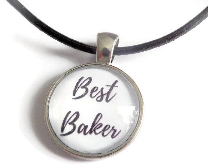 Best baker necklace, baker gift, love to bake necklace, best baker gift, cake bake necklace, glass dome necklace, novelty gift,sandykissesuk