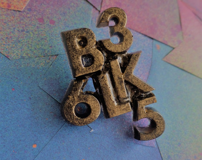 Antique Gold BLK 365 Pin