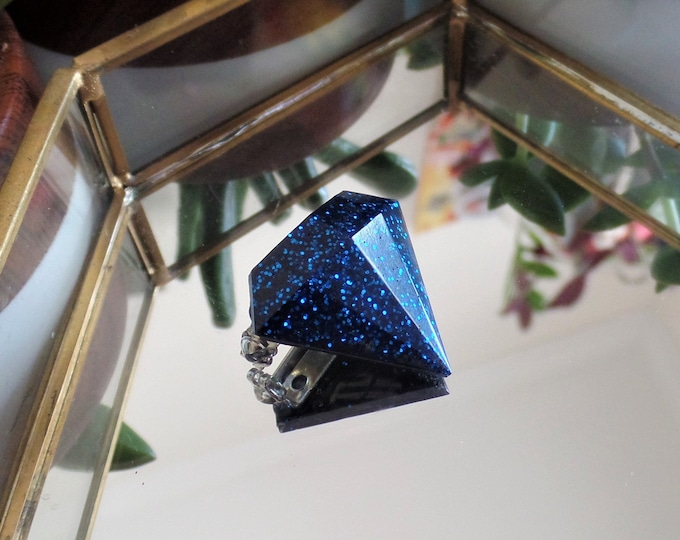 Black Sapphire Diamond Pin