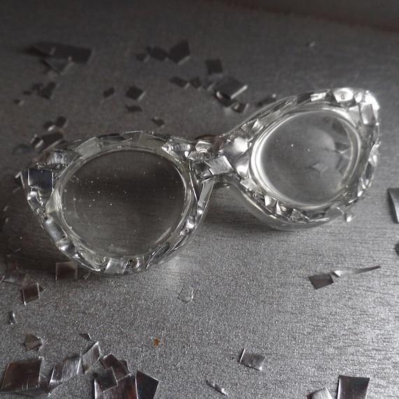 Cat Eye  Silver Glasses Brooch