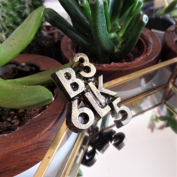 Antique Gold BLK 365 Pin