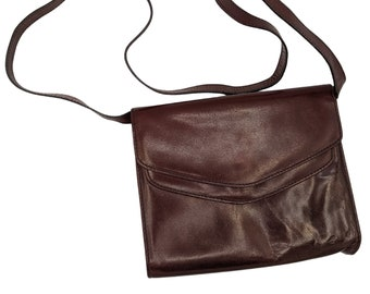 Vintage 60s or 70s mahogany ox blood leather purse with long detachable strap