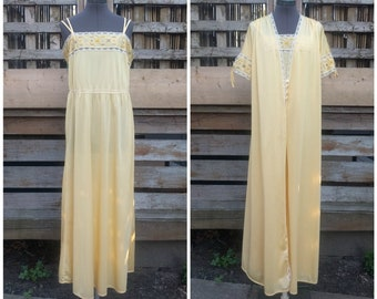 Vintage 1970 s or 80 s LOVE LEE full length golden yellow peignoir set  chiffon dressing gown robe nightgown 9ce380013