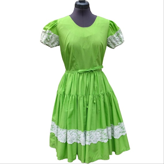 Vintage 1950's lime green puff sleeve full skirt d