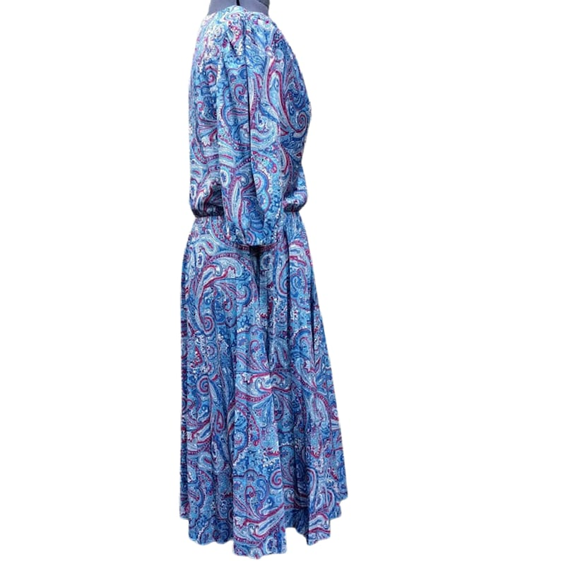 Vintage blue and red paisley 100/% polyester dress