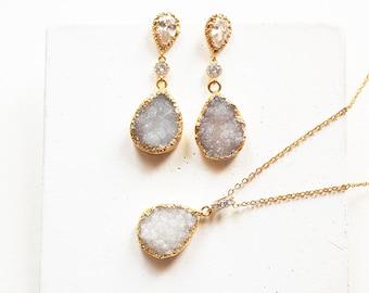 White druzy drop earrings and necklace jewelry set, bridal earrings gold, bohemian bridal earrings,