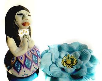 OOAK Folk Art Doll Gourd and Clay Sculpted Figure with Daisies Mountain Folk Art