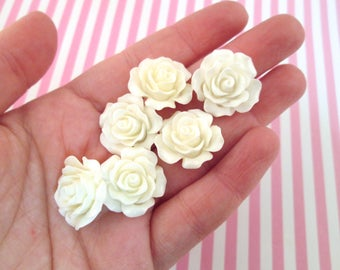 2 große Cabochon als Rose in weiß
