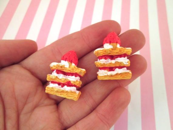 5pcs Dessert 3D Resin Vanilla Chocolates Cakes Miniature food Dollhouse Decor KS