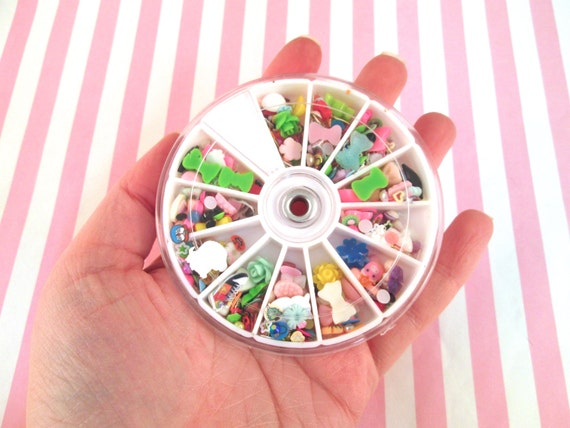 Assorted 12 Compartment Nail Art Wheel With Over 1200 Pieces