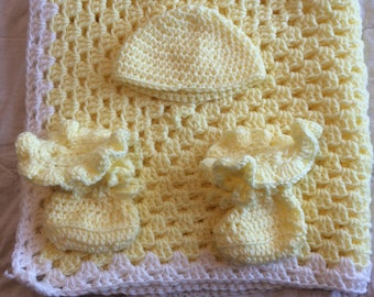 Baby Blanket, Yellow with White Trim with hat and booties, hand made