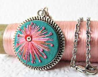 Turquoise Mid Century Modern Embroidered Necklace. Retro Embroidery Pendant. Vintage Jewellery.