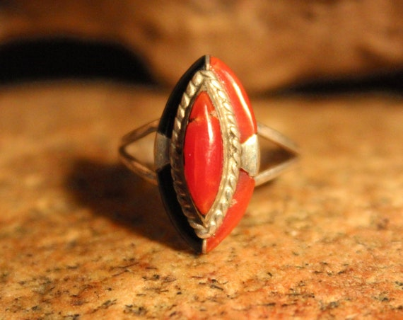 Vintage Navajo Zuni Native American Coral Silver Ring Weight 2.7 Grams Size 6.25 Coral Ring Vintage Coral Ring Inlay Sterling Silver Ring