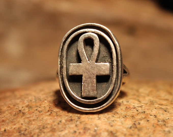 Vintage Egyptian Ankh Ring Sterling Silver Egyptian Ring 13.5 Grams Size 7.5 Vintage Egyptian Ankh Ring Sterling Silver Ring Vintage Ring